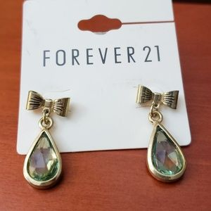 Forever 21 gold bow green crystal droplet earrings